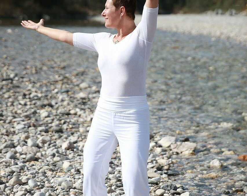 Qi Gong | Traditional Chinese Exercise for Modern Aches & Pains